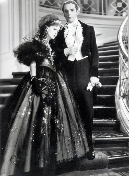1936. Greta Garbo and Henry Daniell in Camille - p745.jpg