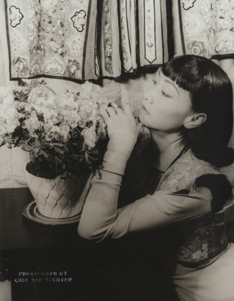 1939. Anna May Wong photographed by Carl Van Vechten on April 25, 1939 - p824.jpg