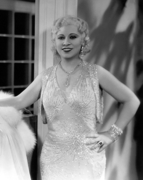 1932. Mae West - Night after night - p596