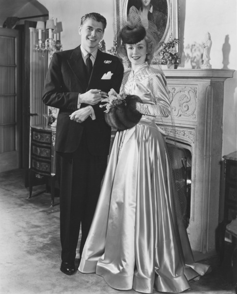 1940. Ronald Reagan and Jane Wyman on their wedding day on January 26, 1940 - p871