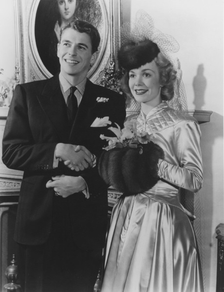 1940. Ronald Reagan and Jane Wyman on their wedding day on January 26, 1940 - p874